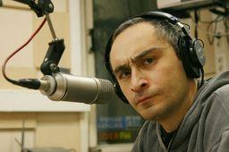 https://upload.wikimedia.org/wikipedia/commons/thumb/7/79/Leonid_Kaganov_2008.jpg/1200px-Leonid_Kaganov_2008.jpg