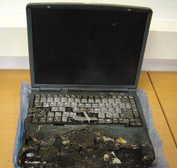 http://clevo-computer.de/battery.jpg